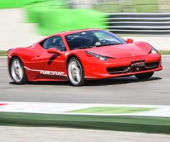 Ferrari 458 Italia a Vallelunga