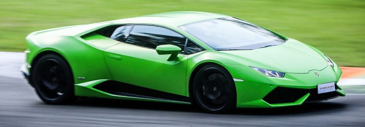 Drive A Lamborghini Huracan Come And Try A Cyclone Of Emotions On